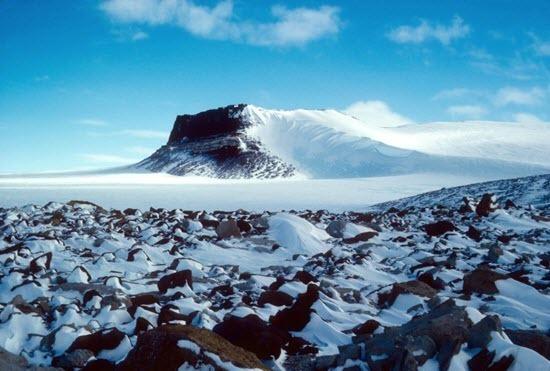 Scherer et al 2016 - Sirius Group exposures near Mount Fleming, Antarctica, circa 1986.jpg