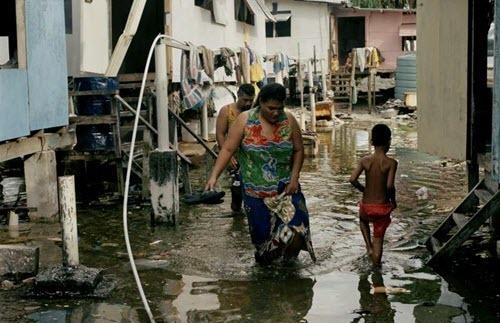 Tuvalu sea level rise affecting people.jpg