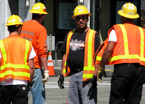 construction-workers-1215154.jpg